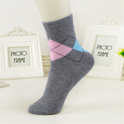Diamond lattice socks