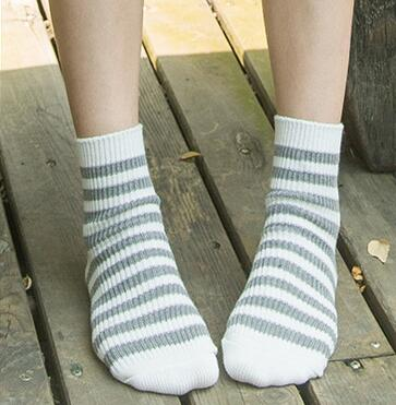 Fashion simple female socks